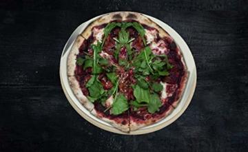 Jamie Oliver BBQ Pizzastein für den perfekt gebackenen Boden - Brotbackstein für Backofen Holz- und Gasgrill - Pizza Stein mit Aluminium Pizzaheber zum Servieren - Rund Ø 33 cm - 5